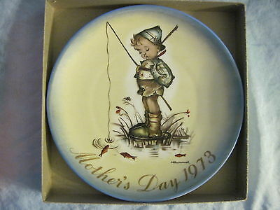 1973 SCHMID MOTHER'S DAY PLATE Sister Berta Hummel THE LITTLE FISHERMAN in Box