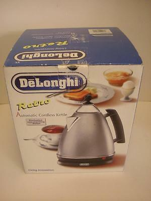 New DeLonghi Retro SK100 SK 100 Cordless Electric Hot Water Tea Kettle In Box