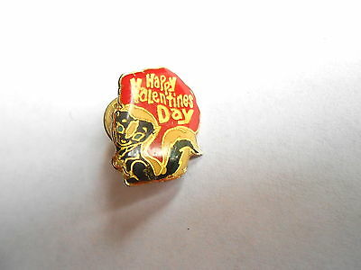 Very Cute Vintage Skunk Happy Valentine's Day Pin Pinback