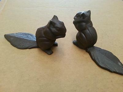 Pair of Rustic Cast Iron Little Squirrels Home Garden Ornament Stopper Key Box