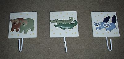 KidsLine TWO BY TWO Noah's Ark WALL HANGING Hangings HOOKS Set of 3 EXCELLENT!
