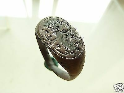 Post-medieval bronze seal-ring (r738).