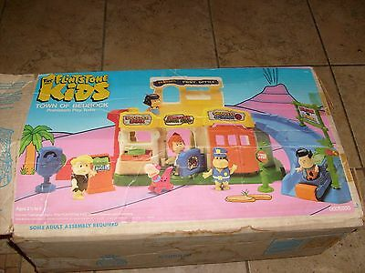 Coleco FLINTSTONES KIDS USED PLAYSET & HTF BOX WITH PARTS