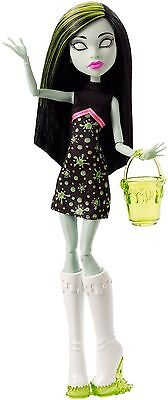 Monster High Ghoul Fair Doll - Scarah Screams - CHW73 - NEW