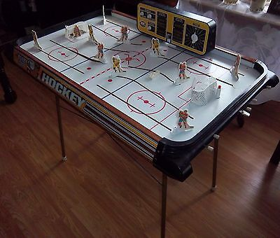 Bobby Orr Munro hockey game floor model with stand 1972
