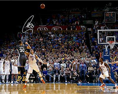 Autographed Stephen Curry Warriors 16x20Photo Item#6220128