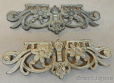 2 Vintage Decorative Cast Iron Gilt Floral French Style Curtain Tie Back Holders