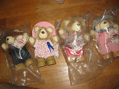 Wendy's FURSKINS bears Complete Set of 4    1986