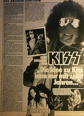 1 german clipping CHER NOT SHIRTLESS KISS GENE SIMMONS GAY INT. BOYS BOY ROCK