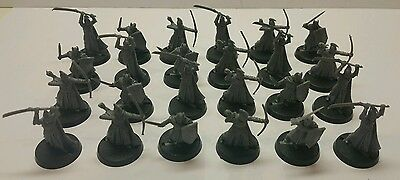 24 x Warriors of the Last Alliance plastic models complete LOTR The Hobbit