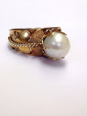 Antique 18K Yellow Gold Leaf Motif Pearl Ring Size 6