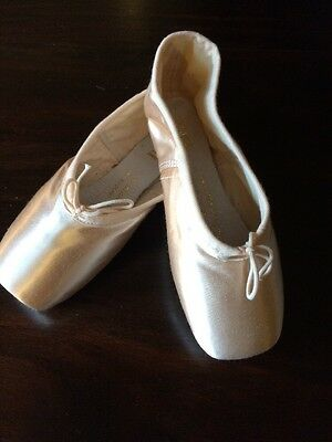 NEW Bloch Aspiration Ballet Dance Pointe Shoes Girls Size 13.5 B