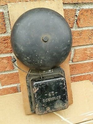 VINTAGE EDWARDS MODEL 17 Fire Burglar ALARM BELL Just plug in and turn on!
