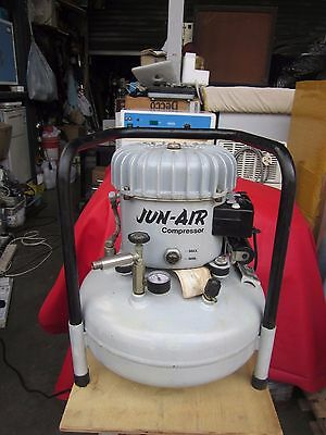 Jun-Air Silent air compressor, 15 ltrs