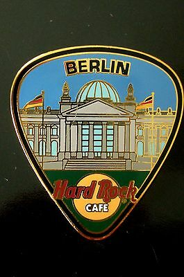 HRC Hard Rock Cafe Berlin Guitar Pick Series 2003 Reichstag LE500