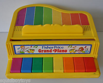 Fisher Price GRAND PIANO TOY #2201 made in 1986