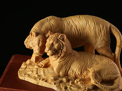 JP087 - 10*17.5*10 CM Stunning Boxwood Carving: Tiger Couple in Love