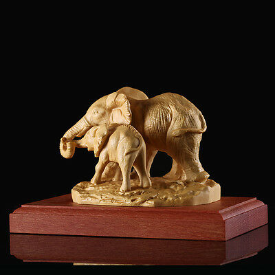 JP088 - Stunning Big Boxwood Carving: Elephant Mom and Kid