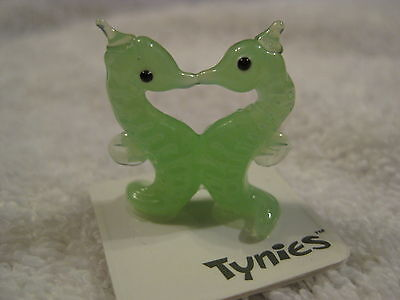 TAD PAT Sea horse GREEN TYNIES Tiny Glass Figure Figurines Collectibles 0149