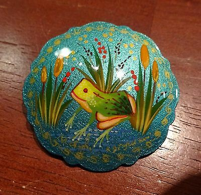 FROG handpainted pin Russian SIGNED handmade in Mstyora village 2""