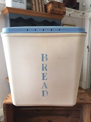 Vintage Pale Blue & White Plastic Lidded Bread Bin – Great! –