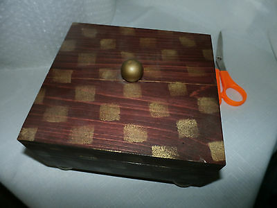 Vintage Doyle McCullar Design Mahogany Stained Box & Lid with Gold Sponge Checks