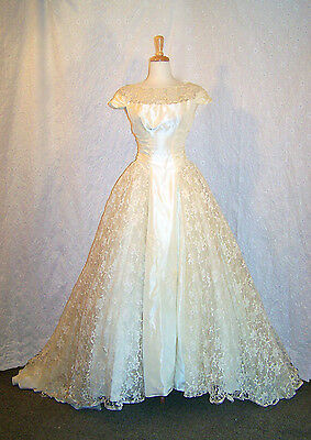 1953 Authentic Vintage Wedding Dress-Taffeta And Lace