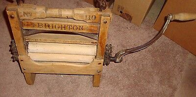 Vintage BRIGHTON Wooden Hand Cranked Clothes Wringer #110