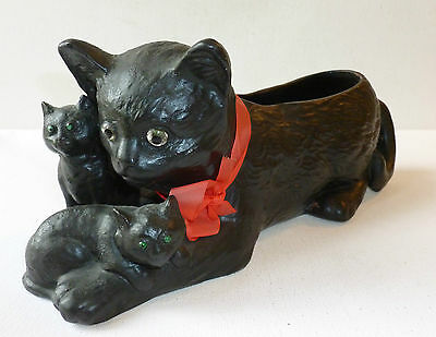 Bretby art Pottery 1950's black cat with kittens