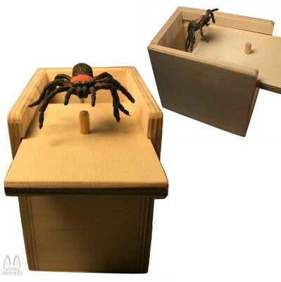 SPIDER ATTACK - Practical Joke Scare Box Prank Fun Gag Party Gift - Made in USA
