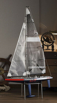 Kyosho 1:40 scale  RACING YACHTS FORTUNE 612 III 2.4GHz