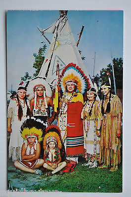 - POKING FIRE FAMILY Caughnawaga Indian Reserve Canada 1950s Postcard -