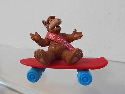 "Alf Bully W.Germany Figur 1988 ca. 7,0 cm: auf Skateboard sitzend""No problem"""