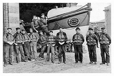 pt4592 - Whitby , Lifeboat & Crew , Yorkshire - photo 6x4