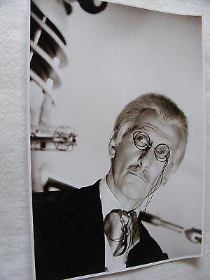 PUBLICITY DR WHO PHOTOGRAPH BLACK & WHITE PETER CUSHING SPECTACLES SCENE 11 x 8