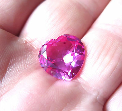 SUPERBE SAPHIR VERNEUIL COEUR ROSE 12x12 mm et 6,90cts ..IF
