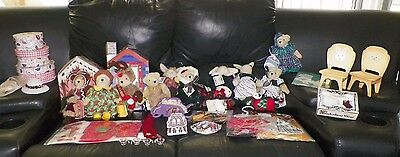 Large Lot Muffy Vanderbear Hoppy Vanderhare Dolls & Accessories & Clothes