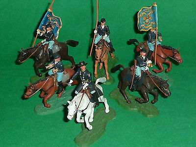 britains herald plastic toy soldier 1:32 ACW eyes right swoppet union cavalry
