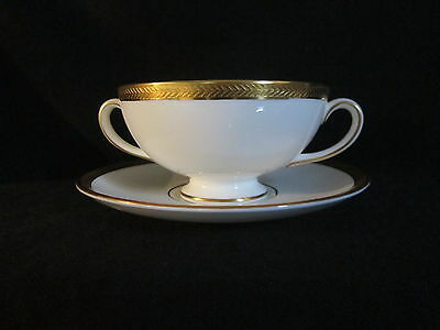 Wedgwood - SENATOR - Cream Soup Bowl & Stand