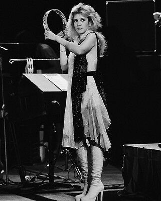 STEVIE NICKS 8X10 Celebrity Photo Picture Live in Concert