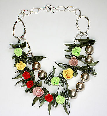 "Elegant Flower Necklace.Multicolored Roses   Necklace 18.5"" long"