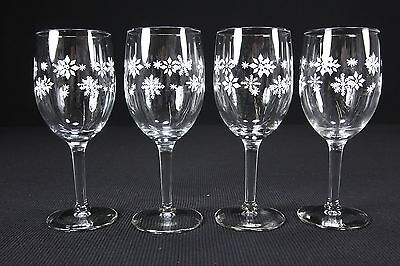 Four (4) White Snowflake Water Or Wine Goblets 10 Oz Wintertime Drinkware