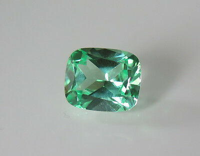 SOMPTUEUX SAPHIR VERNEUIL VERT OLIVE COUSSIN 6,67cts et 12 x 10mm..IF