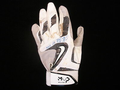 Starlin Castro 2016 New York Yankees Game Worn & Autographed Glove