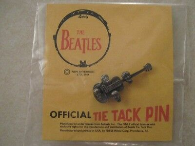 """Beatles Official """"Guitar"""" Tie Tack Pin Mint On Card"""