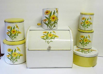Vtg 1951 White W/ Yellow Daisies Tin  Set Gsw Breadbox/cansister Set/cake/sifter