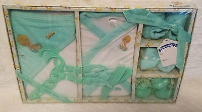 New 13 Piece Bath Robe Deluxe Gift Set Green