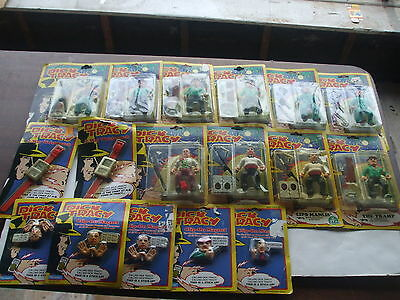 Lot of 17 Mixed Dick Tracy Items - Figures, Watches and Magnets (LOT 2)