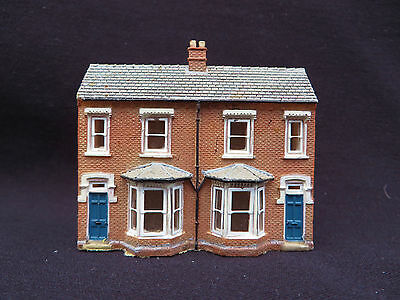 N Gauge 42-202 Graham Farish Low Relief Front TERRACED HOUSES