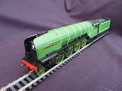 NEW .... Hornby OO Gauge - Class P2 LNER  ' COCK O THE NORTH '